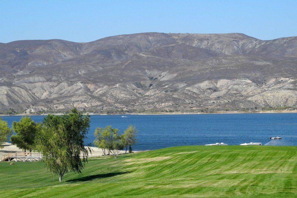 Scenic shot of Vail Lake Resort lake and mountains