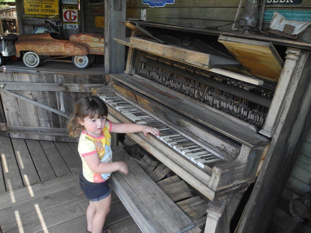 Kids play at Bravo Farms