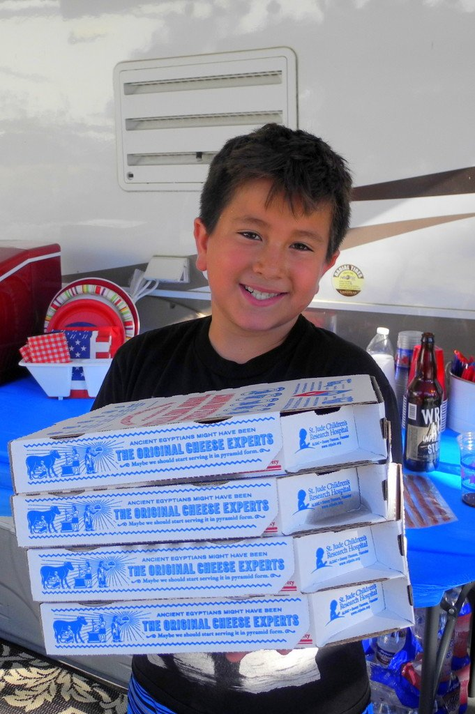 Big Bear Shores RV Resort with Kids eating pizza