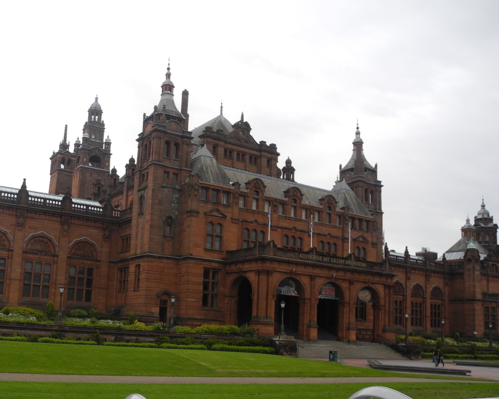 kelvingrove museum for families in glasgow scotland