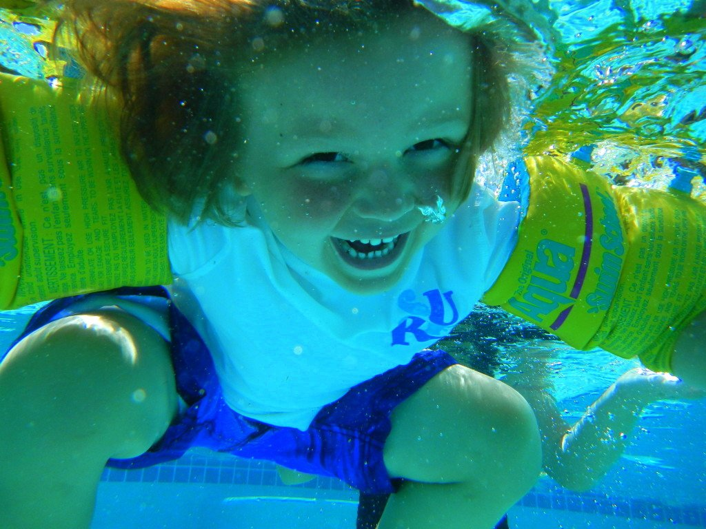 kids photo under water in Palm Springs pool