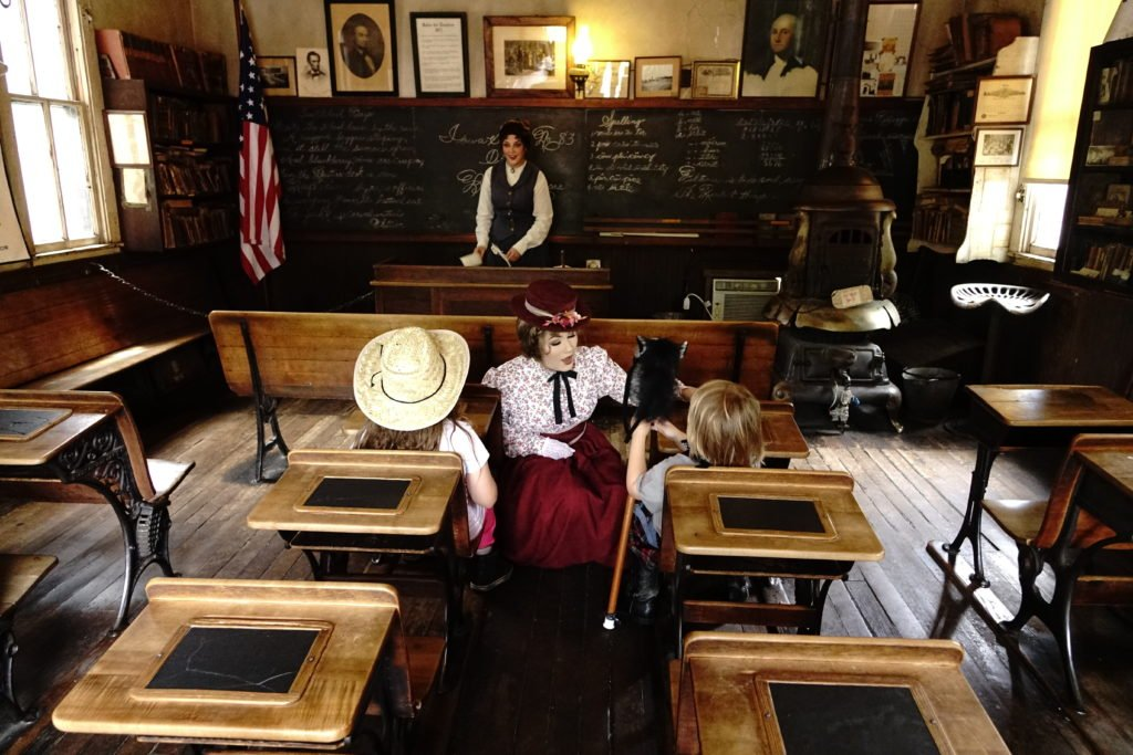 Kids in Old Schoolhouse at Knotts
