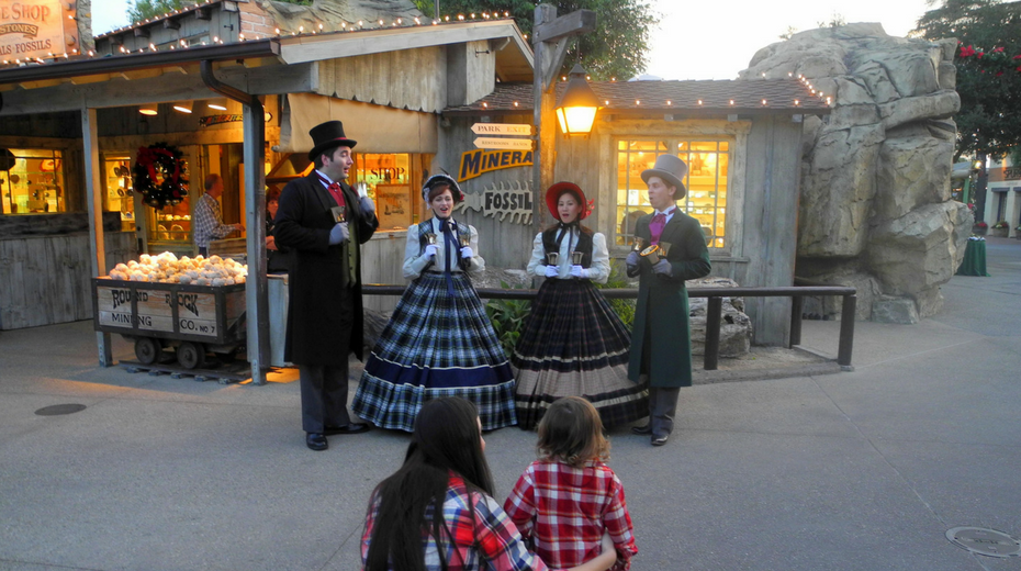 Christmas at knotts merry farm with kids guide and review