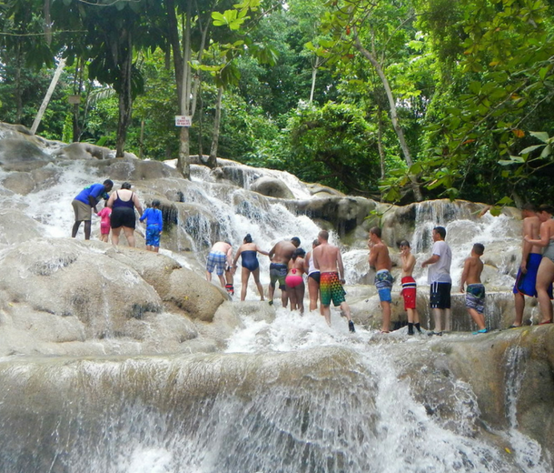 dunns river falls with kids