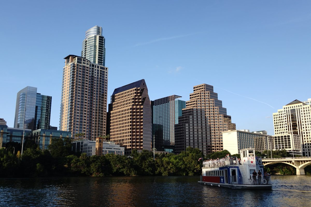 Lone Star Austin Bat Cruise-HotMamatravel- A must-see attraction when traveling to Austin with kids.