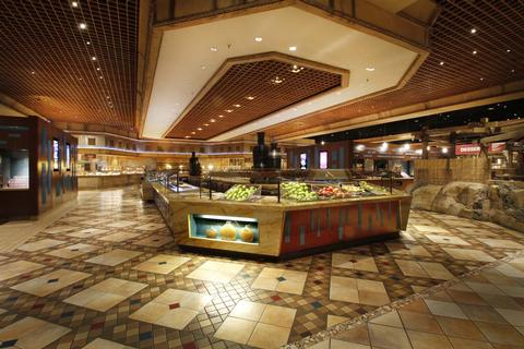 Luxor Buffet Restaurant in Vegas for families