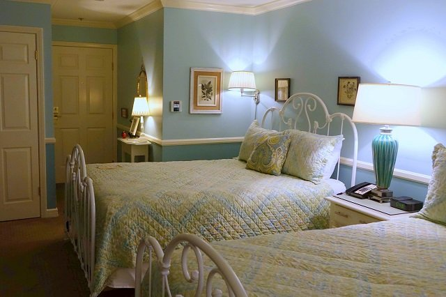 Cute Rooms at Apple Farm Inn