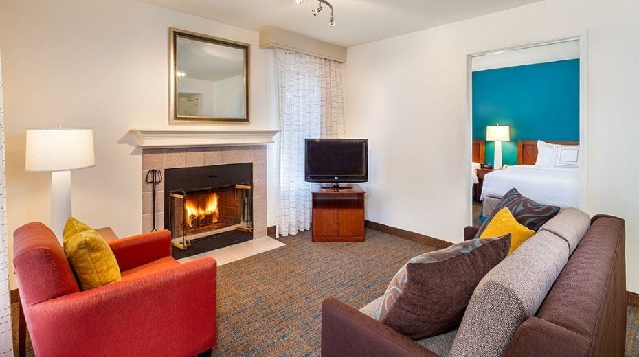 Clementine Family Suite near Disneyland with fireplace