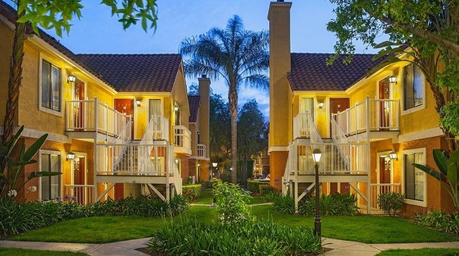 Exterior Clementine Hotel & Suites Anaheim