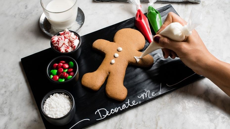 Gingerbread cookie decorating at Pendry San Diego