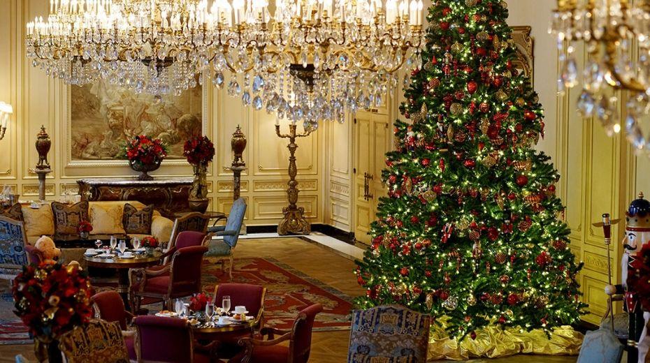 Westgate Christmas Lobby decor