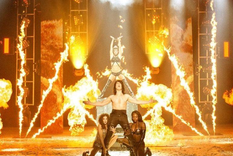 Criss Angel Mindfreak show