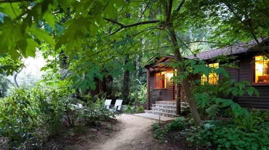 glamping cabins at Glen Oaks Resort in Big Sur California